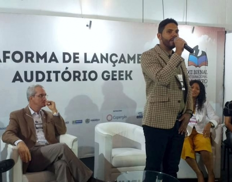 Pedro Alves - Camtra - Artista Visual e Escritor